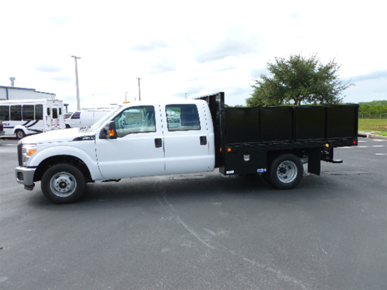 Ford-F350-Crew-Cab-with-flat-bed-768x576